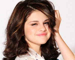 Bingcom_selena_gomez_65normal5_4